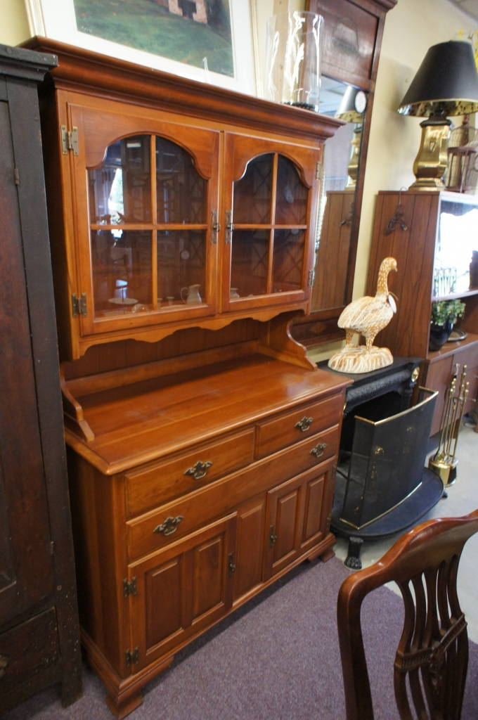 Kling Furniture Solid Cherry Colonial Country Buffet W/ Hutch Serpentine  Front